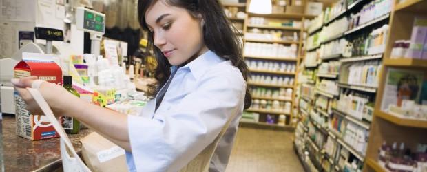 Women-grocery-shopping