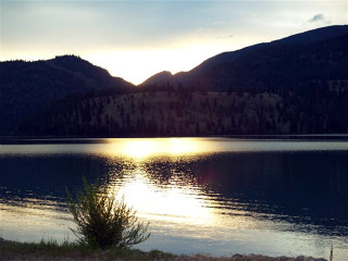 (Image: Kalaway Bay Resort). Kalamalka Lake, near the resort.