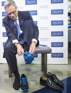 Federal Minister of Finance Joe Oliver followed tradition and bought a new pair of shoes before announcing the 2015 budget.