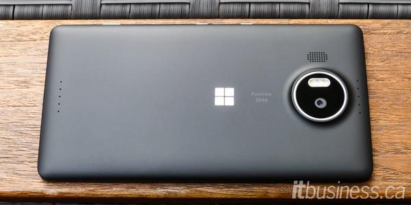 Microsoft Lumia 950XL-2