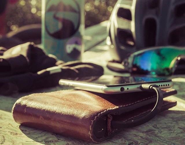 black-friday-slide-10-nomad-leather-wallet